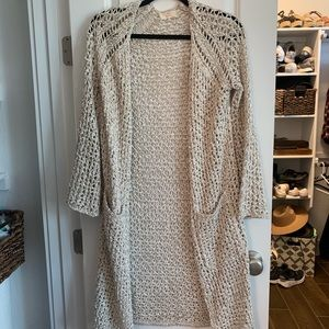 Beige and white knit duster